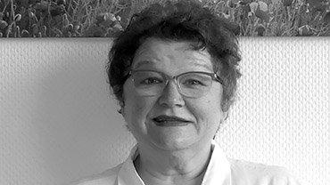 Fuada Brinkmann, 57, ist gelernte Krankenschwester und arbeitet als Reha-Assistentin in der Fachklinik Teutoburger Wald in Bad Rothenfelde. Das Reha-Zentrum wird von der Deutschen Rentenversicherung Braunschweig-Hannover in Kooperation mit der Klinik Münsterland betrieben